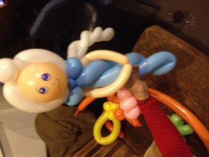 buzzy-as-balloon-twisting-elsa